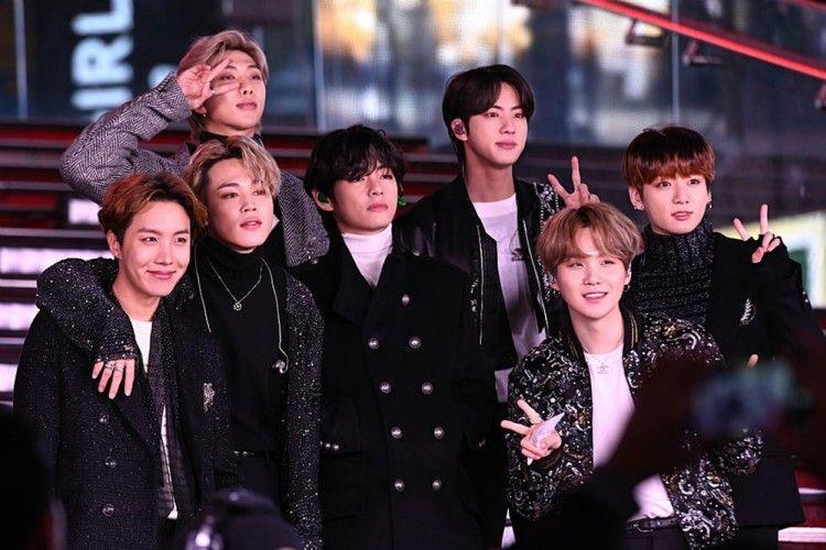 Bikin Haru Fans, BTS Beri 7 Pesan Inspiratif di 'Dear Class of 2020'