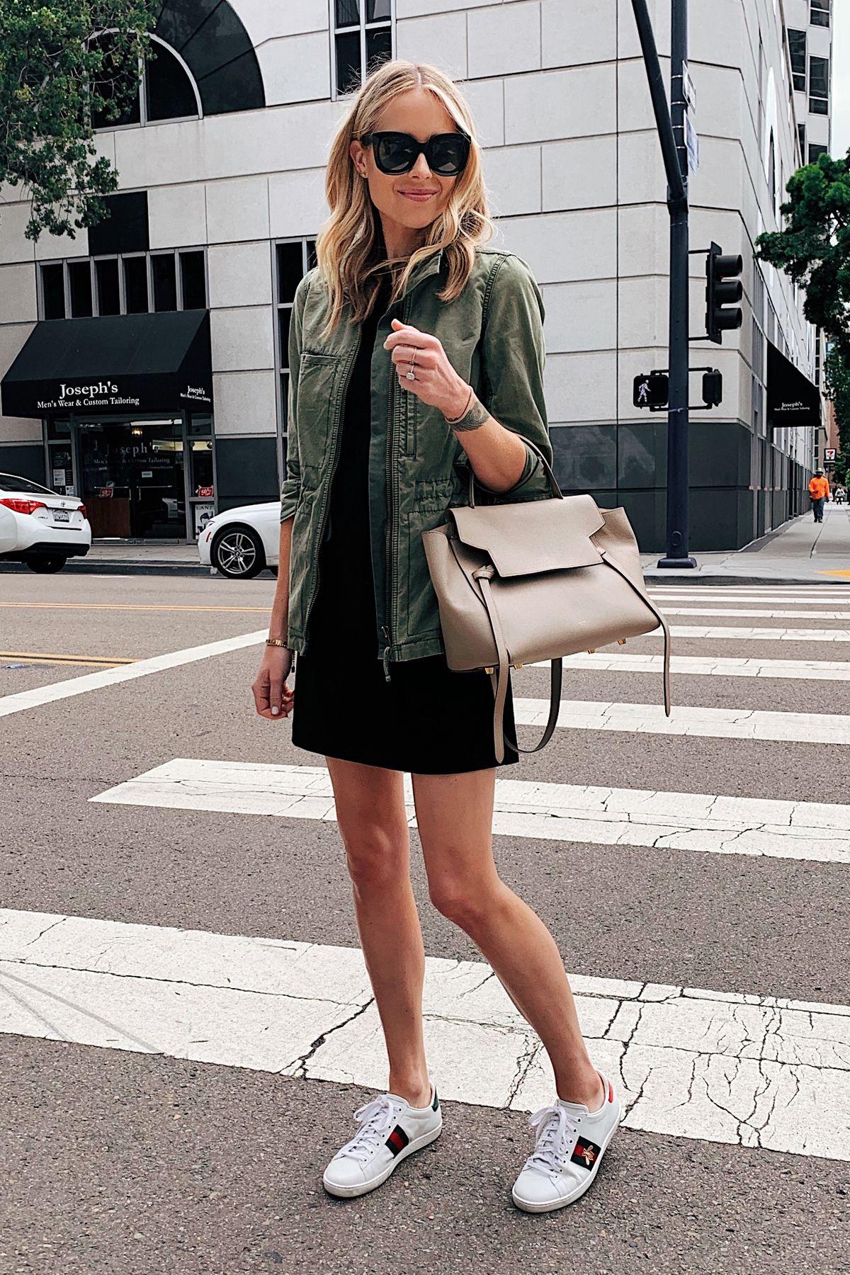Tips Padu-padan Mini Dress dan Sneakers untuk Gaya Chic yang Keren!