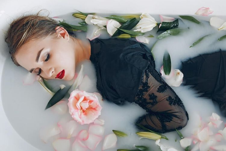8 Perawatan Kecantikan Zaman Dulu Yang Ampuh Bikin Mulus