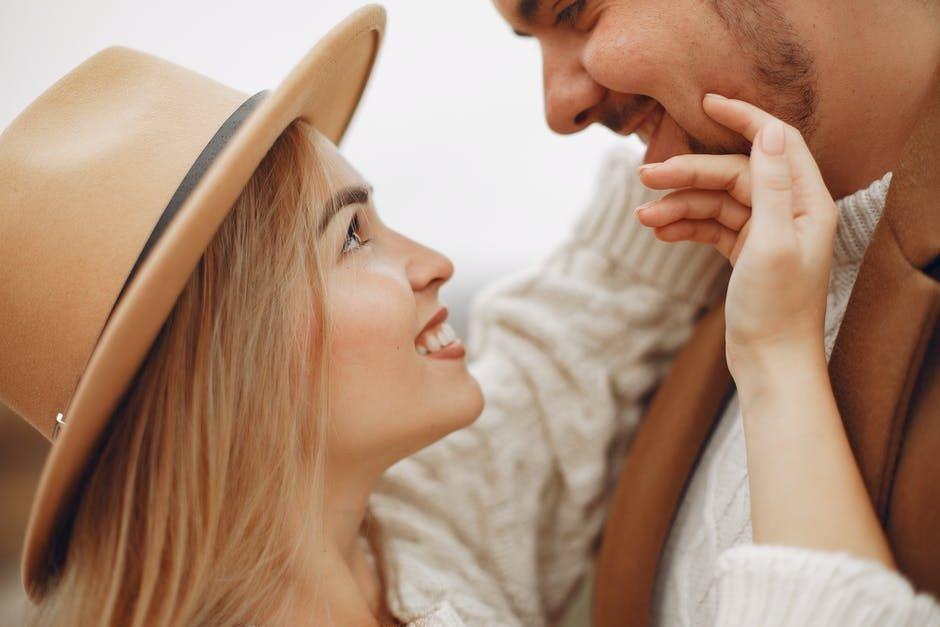 7 Hal yang Pasti Terjadi Ketika Kamu Hidup Sebagai Seorang Selingkuhan