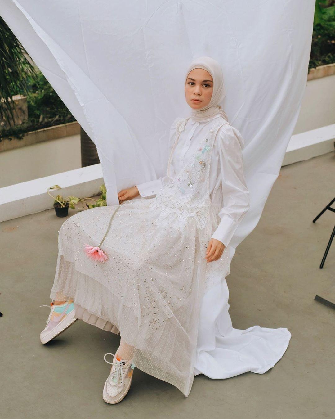 Supaya Anti-Gerah, Begini Tips Memilih Hijab yang Tepat