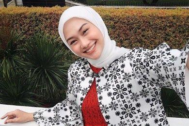 Supaya Anti-Gerah, Begini Tips Memilih Hijab Tepat