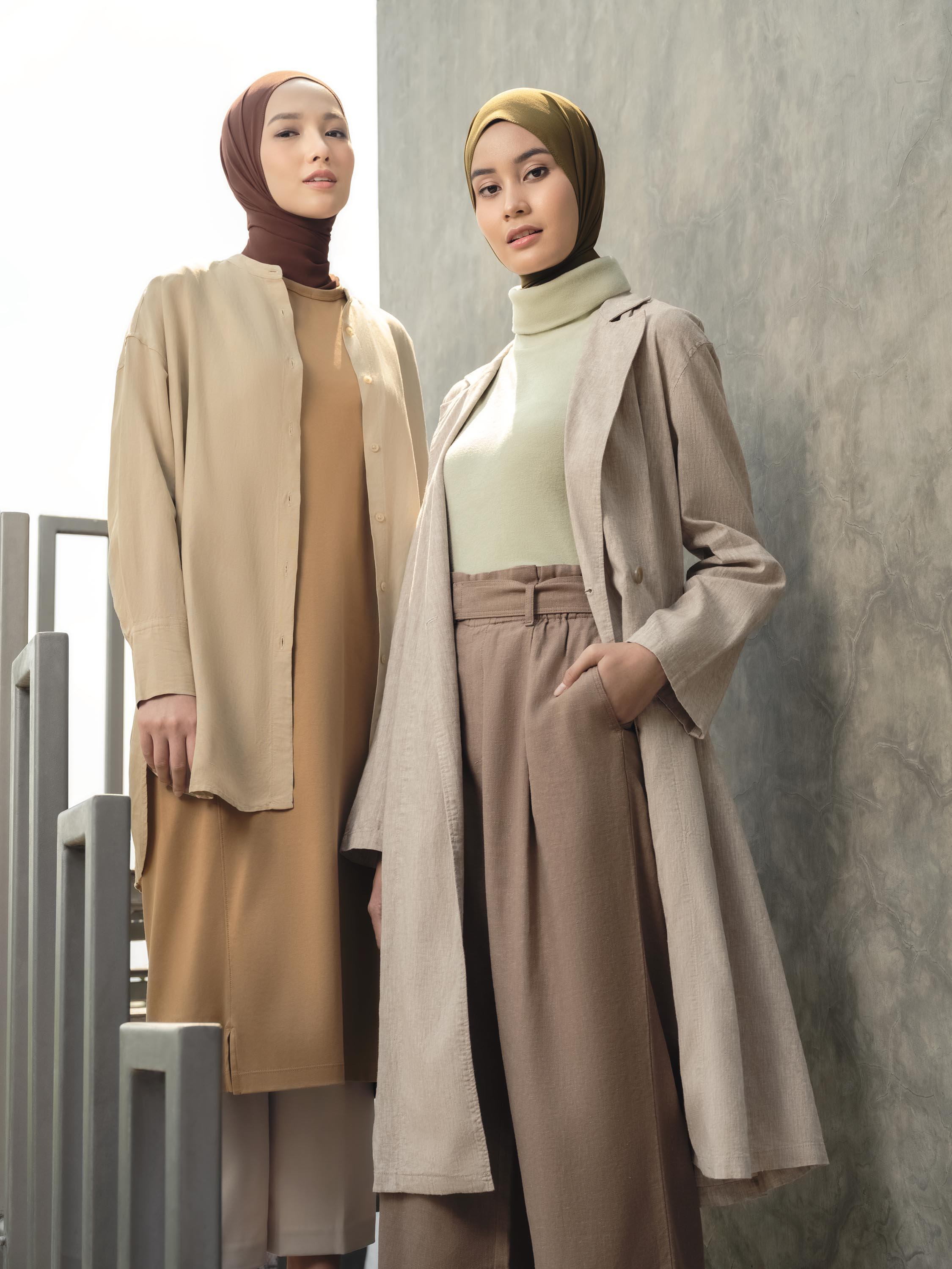 Gaya Hijab Minimalis dari UNIQLO MODEST WEAR MANUAL Styled by Ayudia C