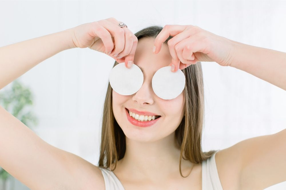 Yuk, Kurangi Mata Bengkak dengan 5 Cara Mudah Ini!