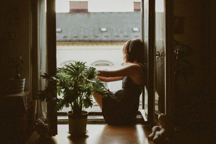6 Tips Mengatasi Ketakutan Kesepian Karena Sendirian
