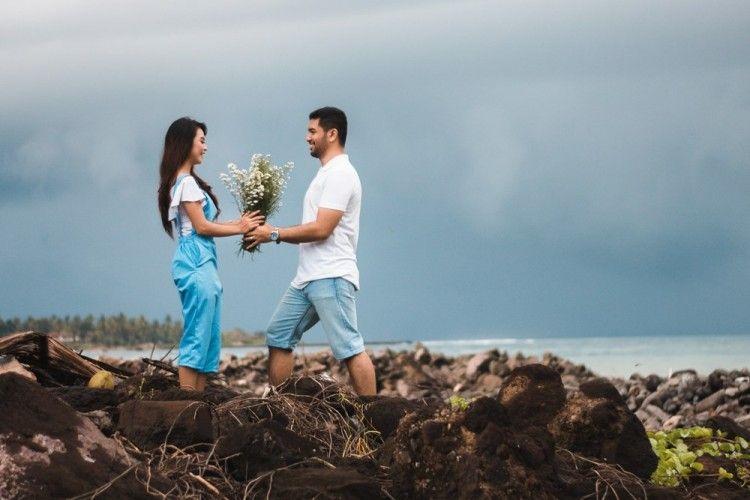 7 Emosi yang Dirasakan Laki-Laki Saat Jatuh Cinta padamu
