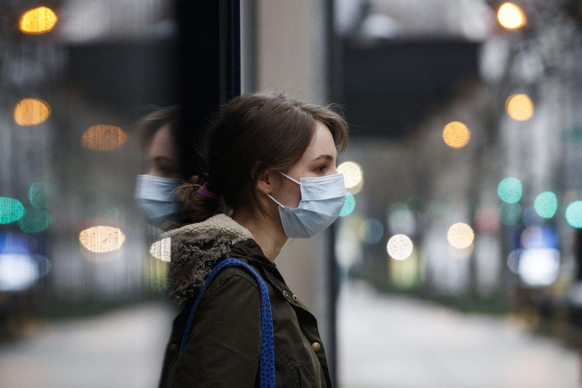 Face Shield VS Masker, Mana yang Lebih Efektif Cegah COVID-19?