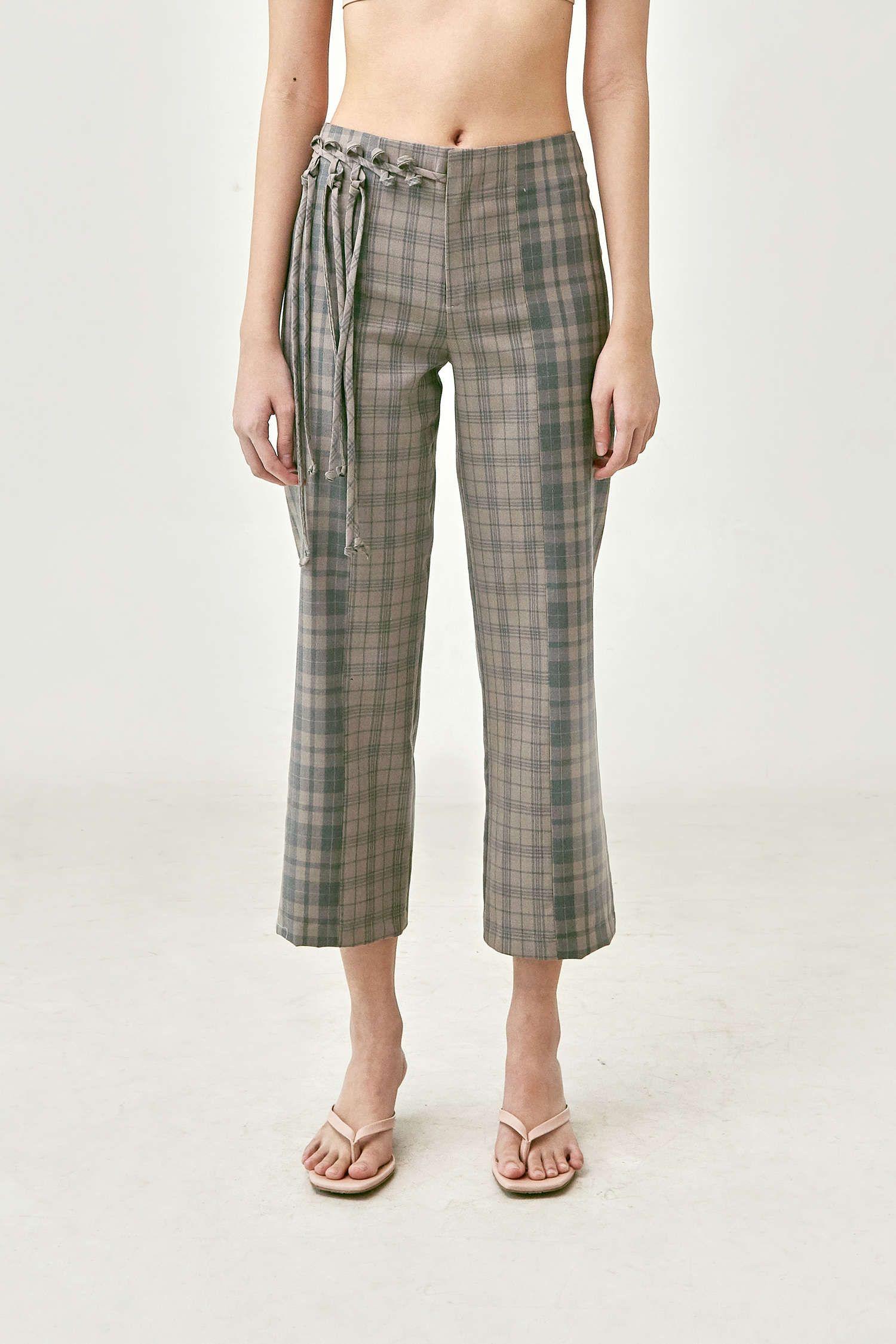 #PopbelaOOTD: Lebih Menarik dengan Celana Plaid