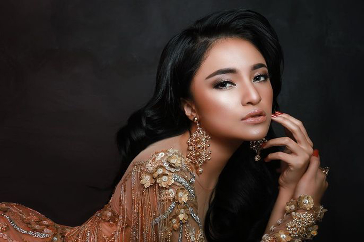 5 Seleb Indonesia yang Tegar Melihat Mantan Menikah Lebih Dulu