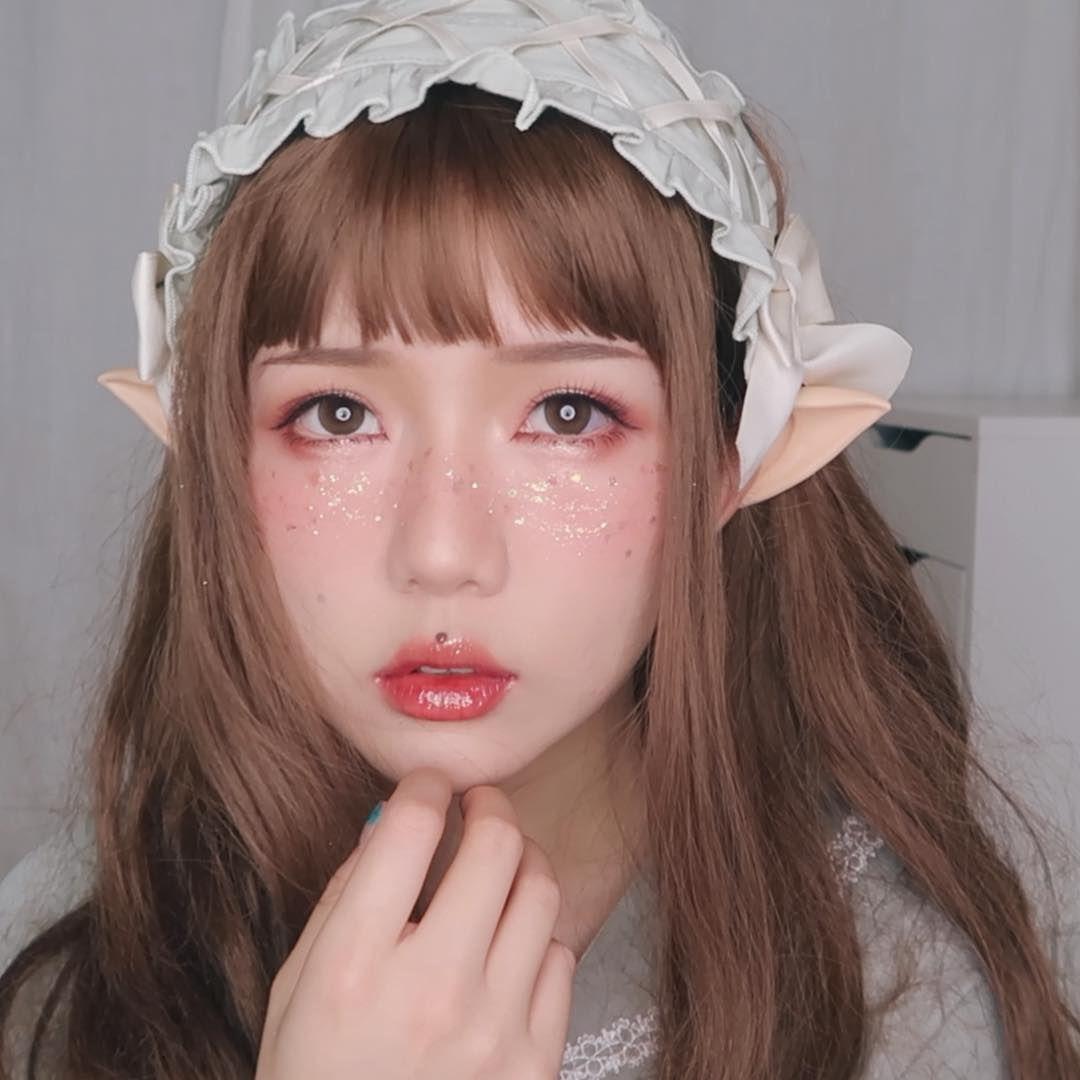 9 Beauty Vlogger Asia Ini Punya Riasan Khas yang Unik, Follow Yuk!