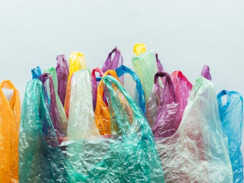 Kantong Plastik Sekali Pakai Resmi Dilarang, Pakai 3 Plastik Ini Saja!