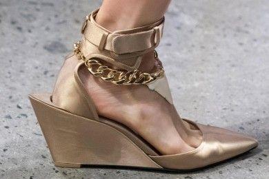 Model Sepatu Jadi Incaran Fashionista Tahun 2020