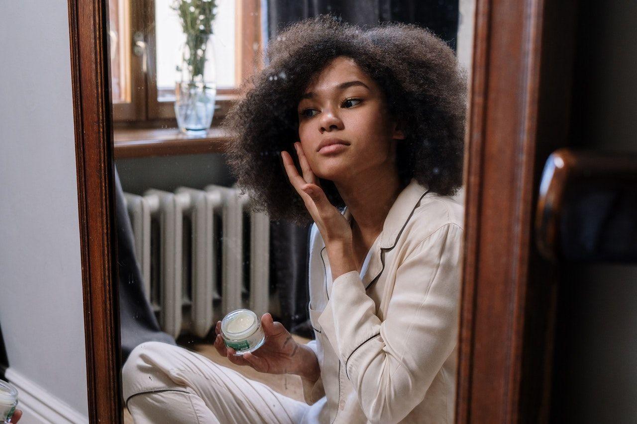 Nggak Boleh Sembarangan, Ini 5 Cara Mengatasi Jerawat Hormonal