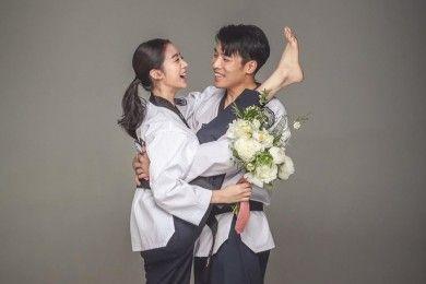 Unik Ini Gaya Foto Pre-wedding Lim eks Wonder Girl Shin Min Chul