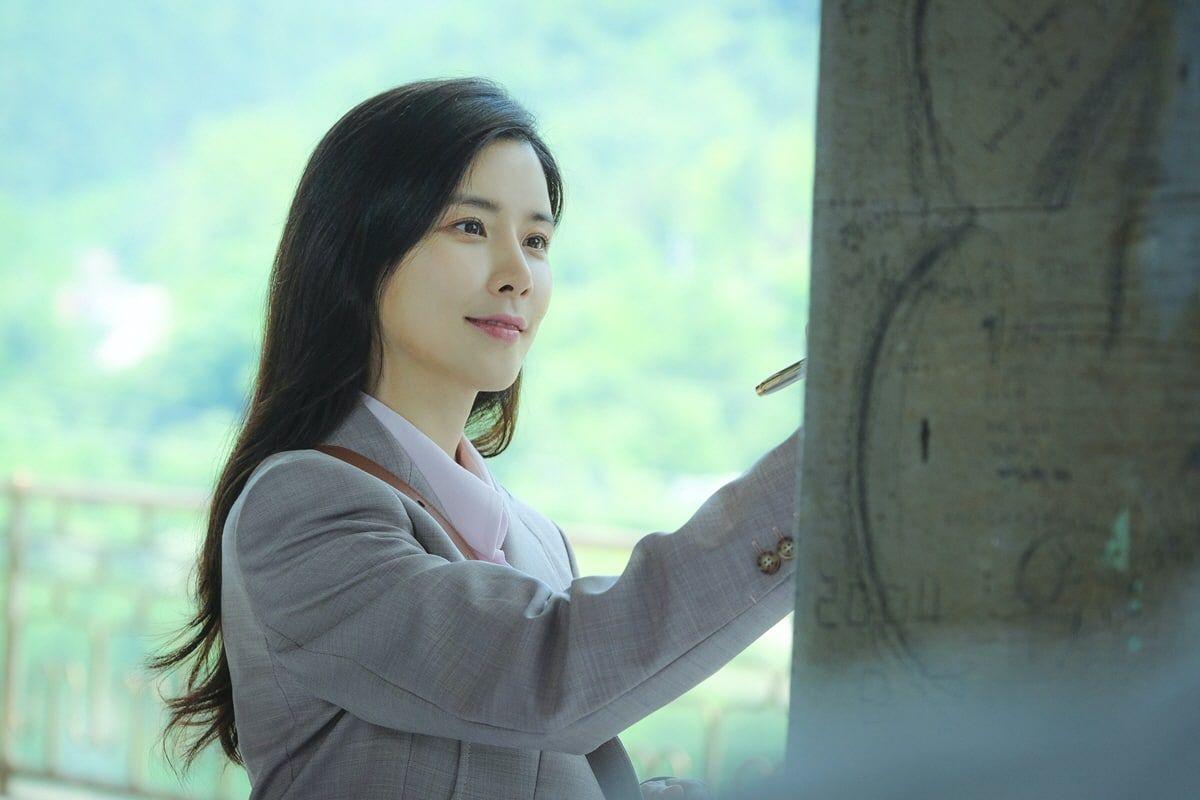 Deretan Tokoh Pelakor Paling Seksi & Modis dalam Serial Drama Korea