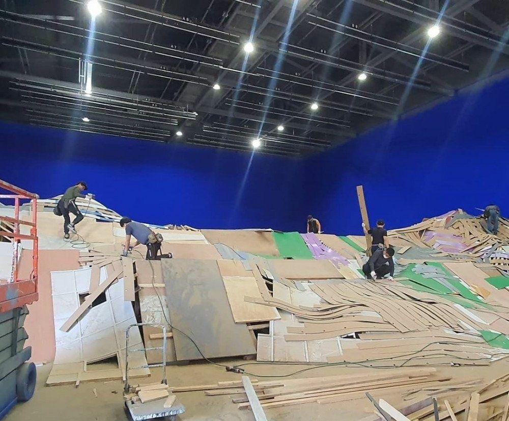 Bukan Efek CGI, 7 Kualitas Lokasi Syuting BTS Stay Gold Menakjubkan