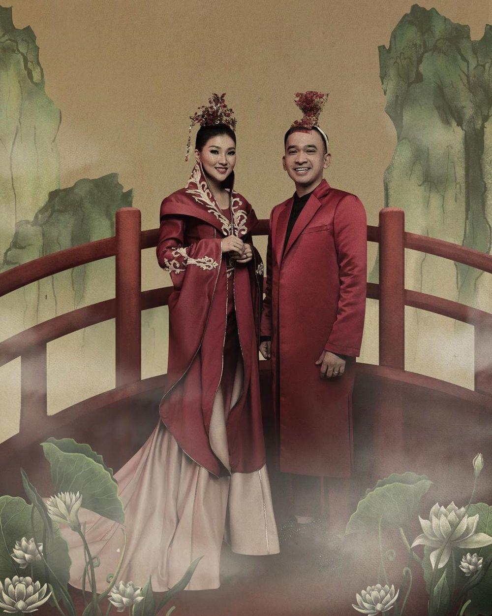 10 Potret Romantis Eks Girlband Bersama Suami Tercinta, Bikin Baper!