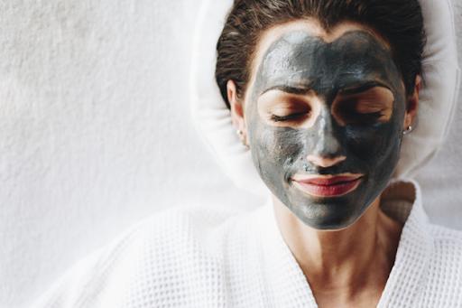 Atasi Masalah Kulit Akibat Masker dengan Detox Wajah