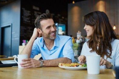 7 Pujian Sederhana Harus Tiap Suami Berikan ke Istrinya