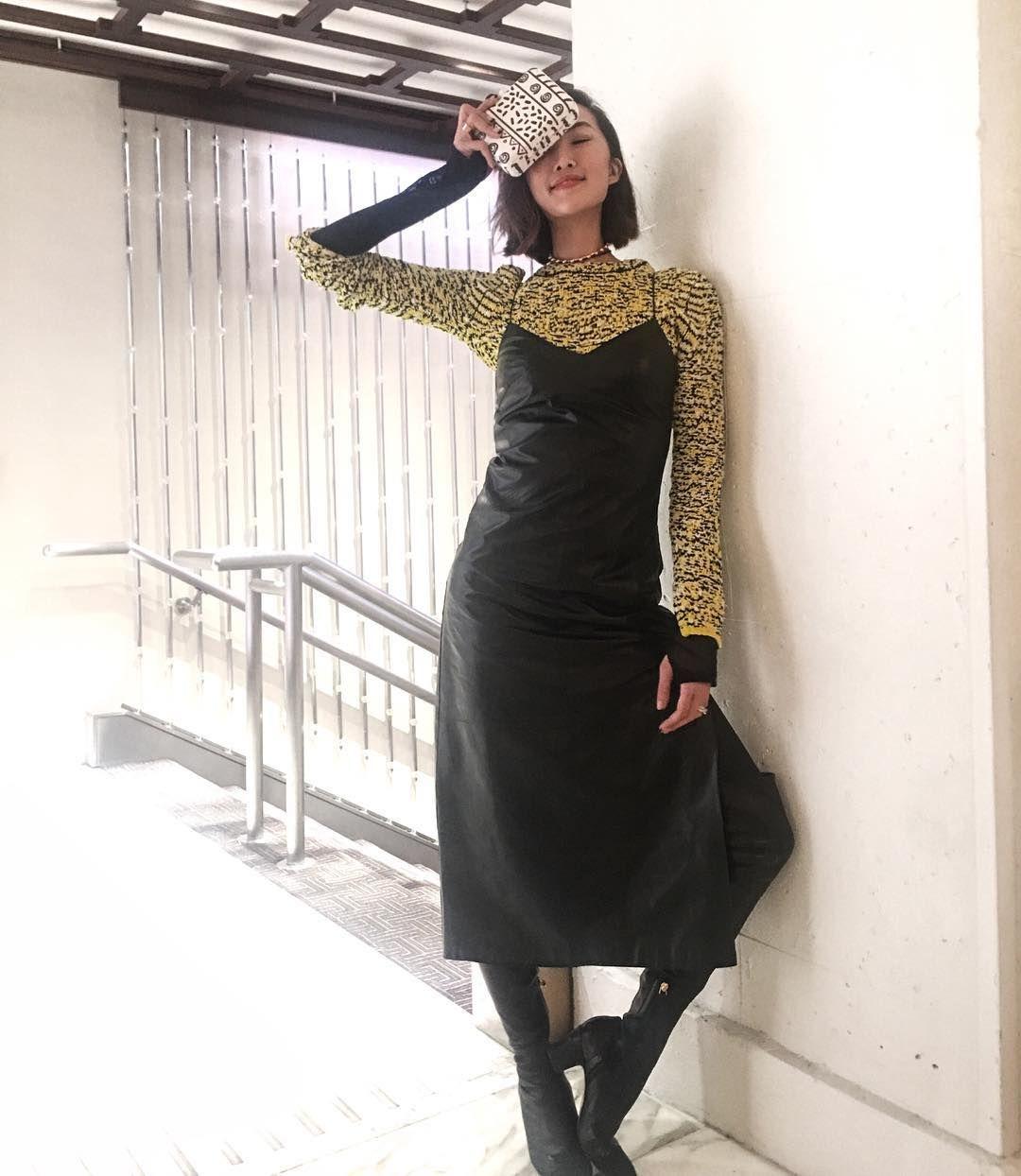 Edgy hingga Seksi, Ini Cara Padu-padan Dress Hitam