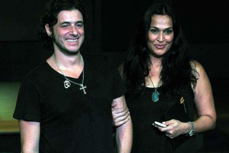 9 Artis Bollywood yang Pilih Laki-Laki Bule Sebagai Pasangan Hidupnya