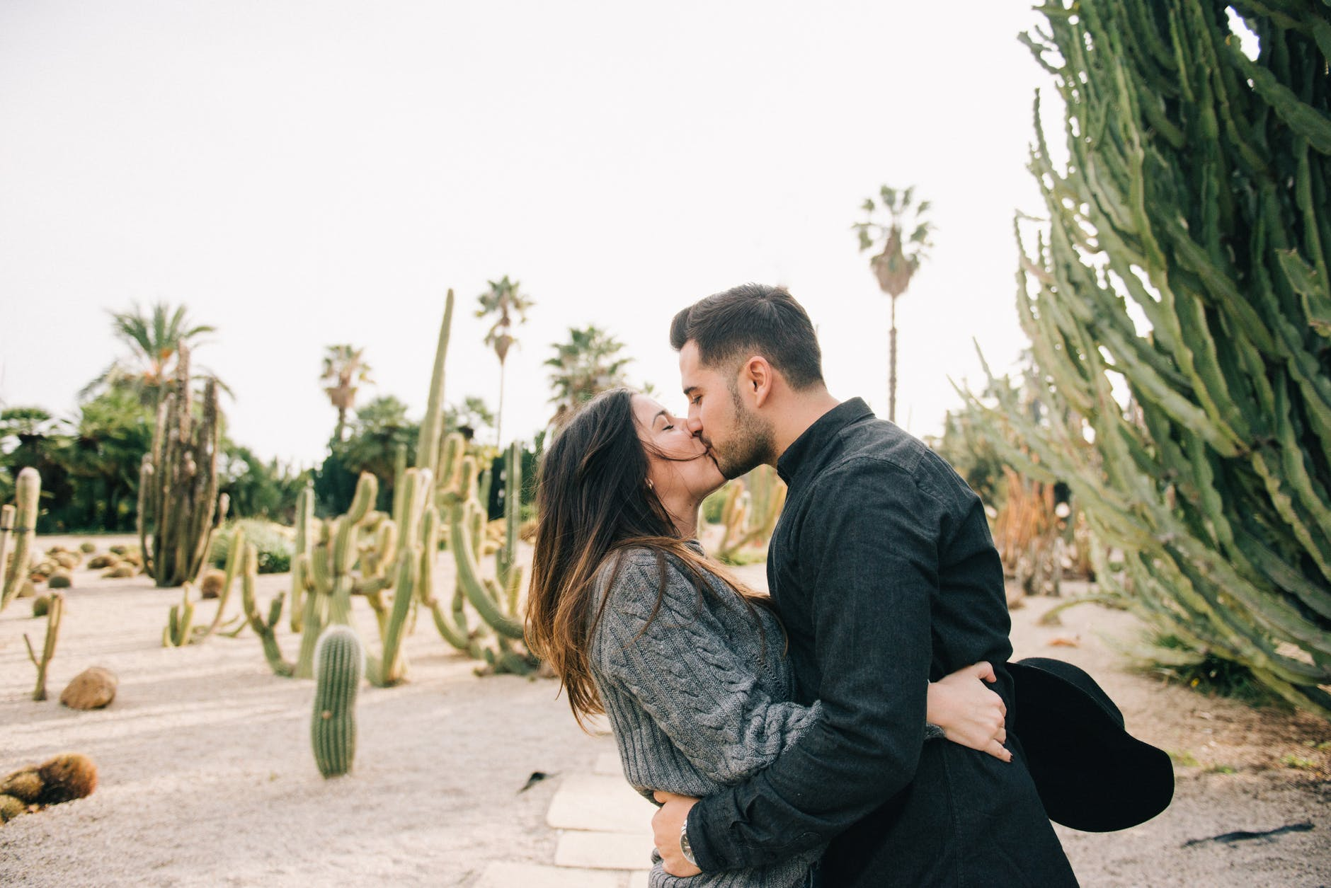 Ini Gaya Berciuman Tiap Zodiak dan Caranya Menunjukkan Kasih Sayang