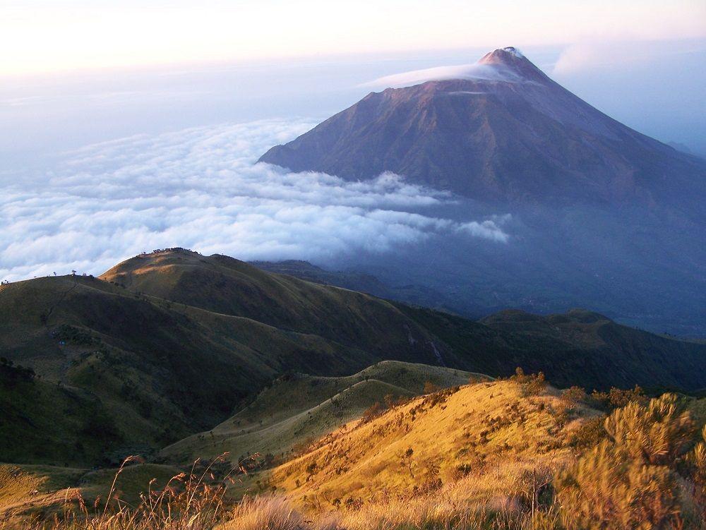 9 Fakta Mengejutkan Pendaki Gunung Guntur yang Hilang Secara Misterius