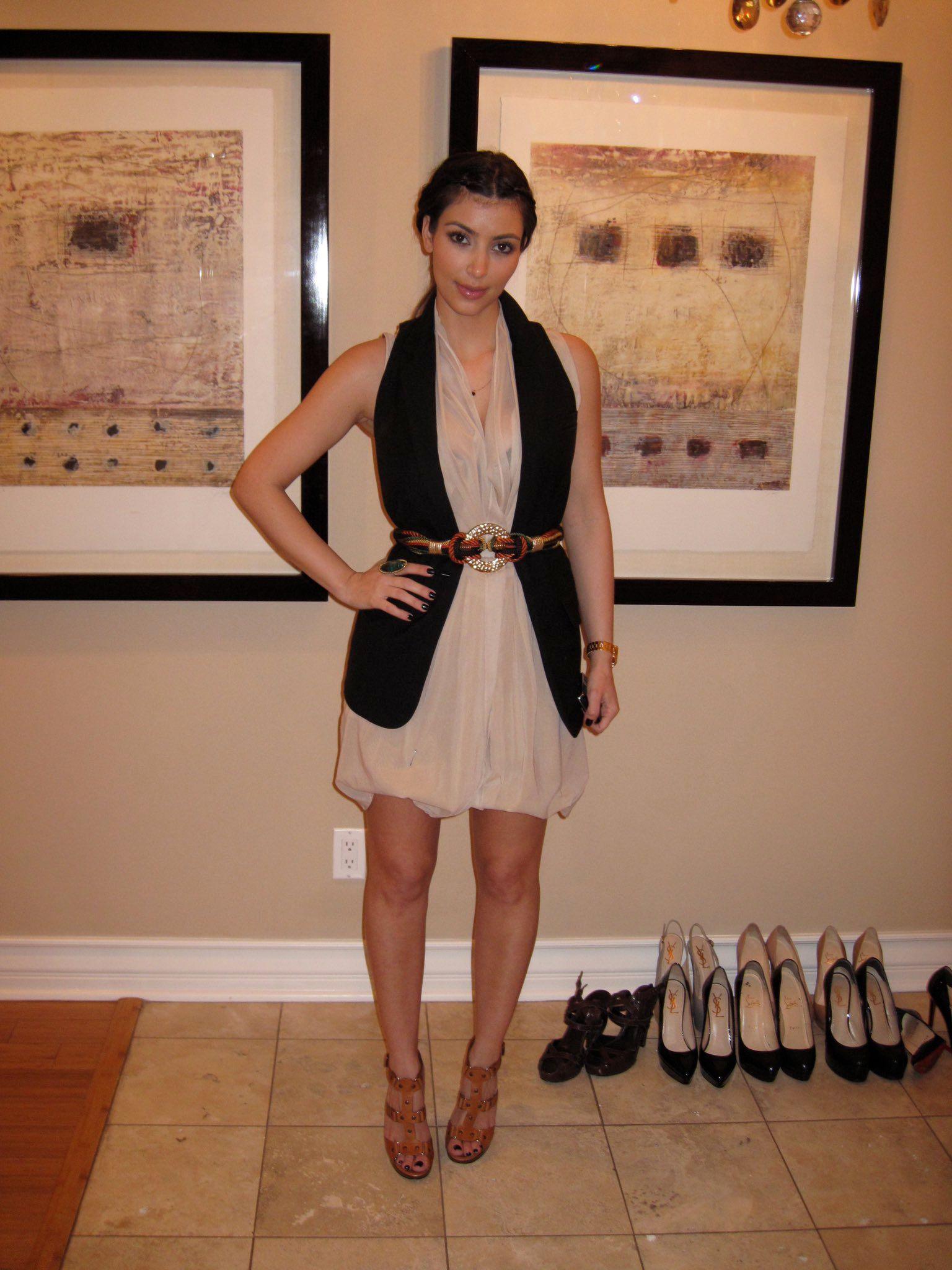 Kim Kardashian West Unggah Foto Fitting Jadulnya