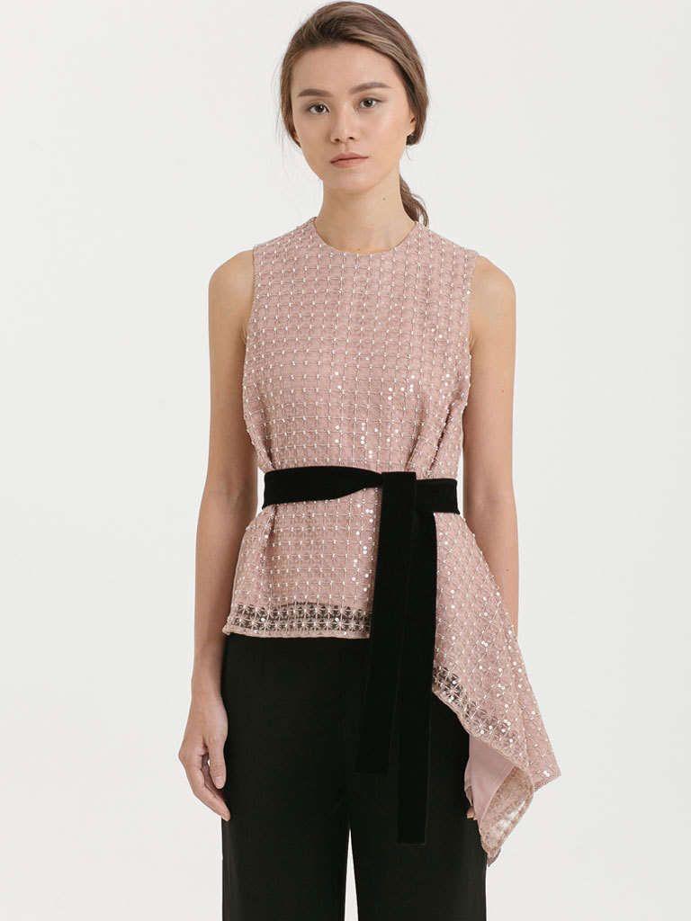 #PopbelaOOTD: Rekomendasi Baju Pink untuk Gaya yang Makin Manis