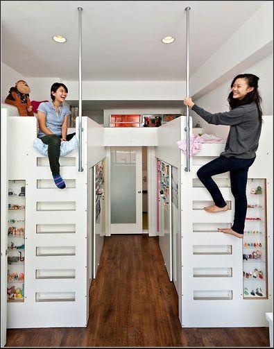 Ilusi Lebih Luas, Ini 7 Ide Desain Kamar Mungil dengan 2 Tempat Tidur