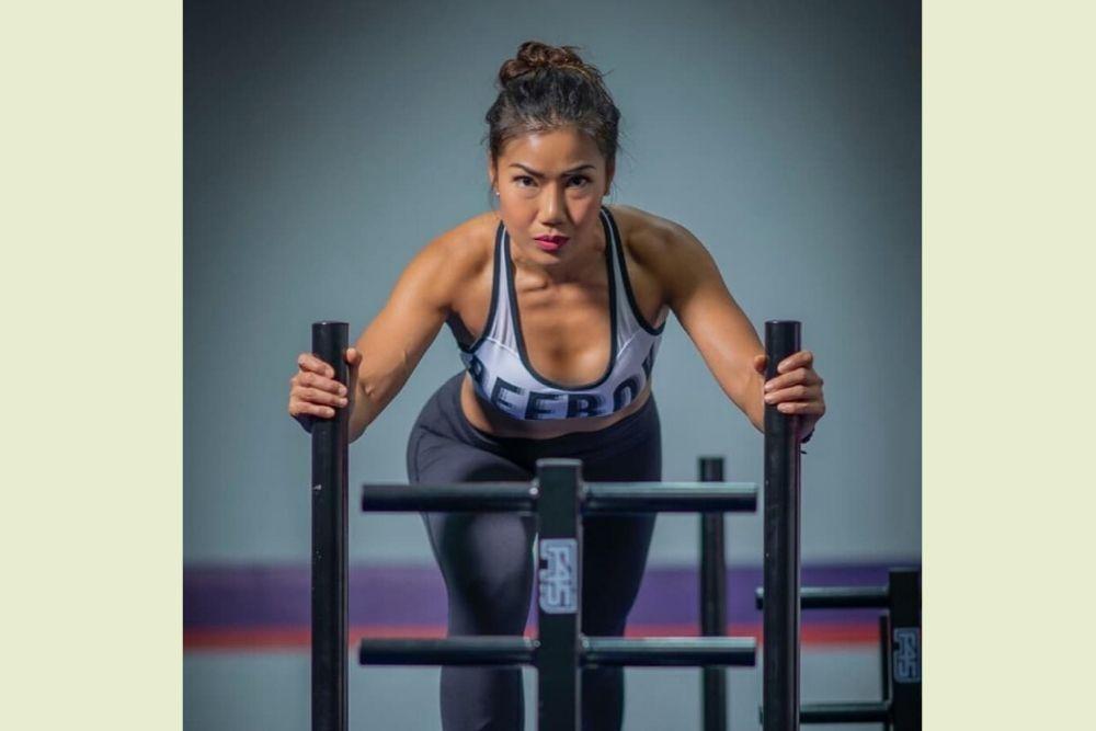 Body Goals! Ini 7 Potret Istri Ari Wibowo yang Kian Seksi