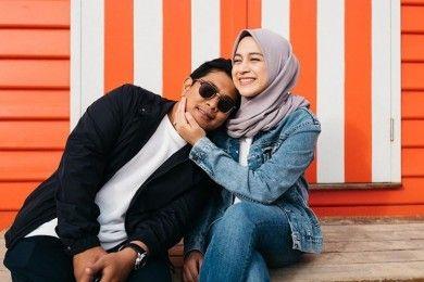 Umumkan Hamil, Intip 10 Potret Romantis Nina Zatulini Suami