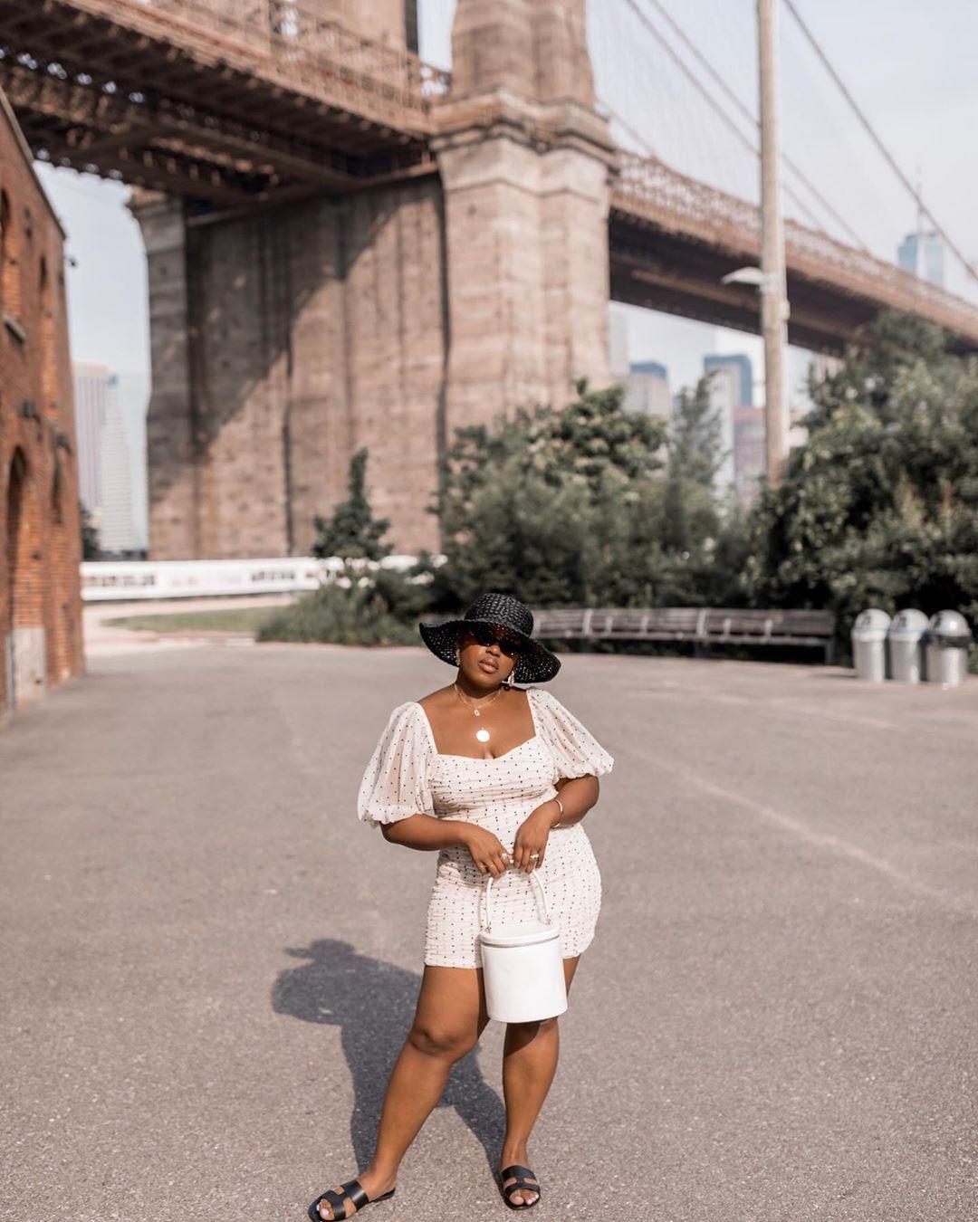 Tips Memakai Mini Dress untuk Tubuh yang Berisi