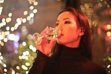 5 Efek Terjadi Kulit Ketika Mengonsumsi Alkohol