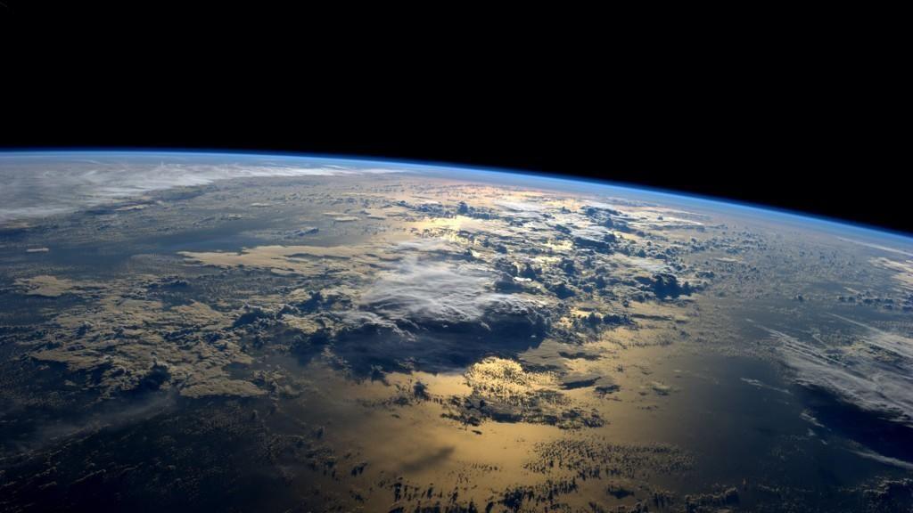 9 Foto Kehidupan Astronot di Luar Angkasa Ini Bisa Bikin Iri