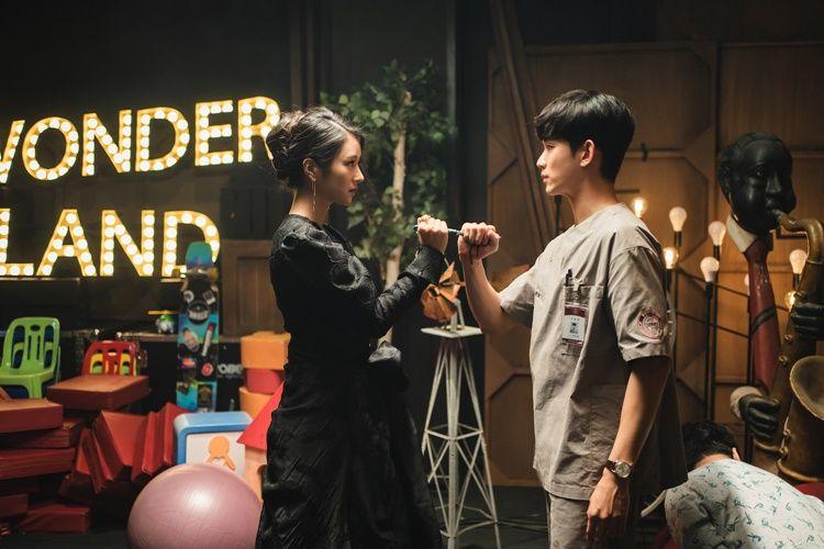 Punya Kisah Cinta Unik, Ini 8 Drama Korea Rekomendasi Netflix