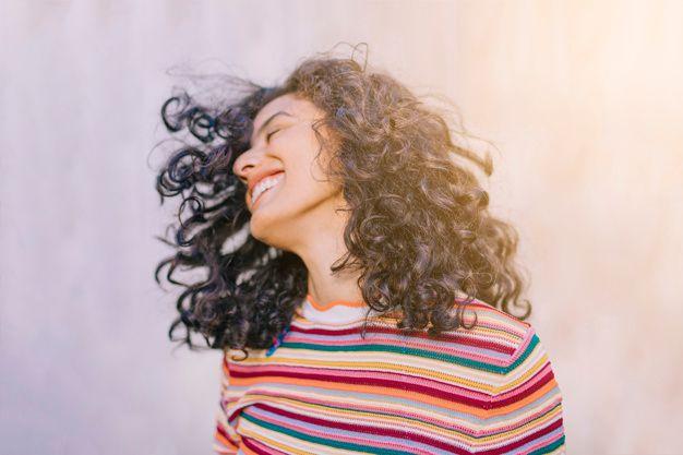 5 Hal Menyenangkan yang Terjadi Saat Kamu Berhenti Mengejar Cinta