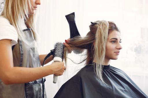 Ini 5 Alasan Kenapa Kamu Harus Pakai Serum Shampoo Demi Rambut Indah