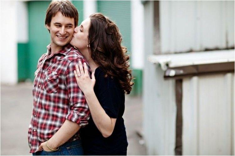 8 Posisi Berciuman Terbaik! Ternyata Nggak Harus Berhadapan