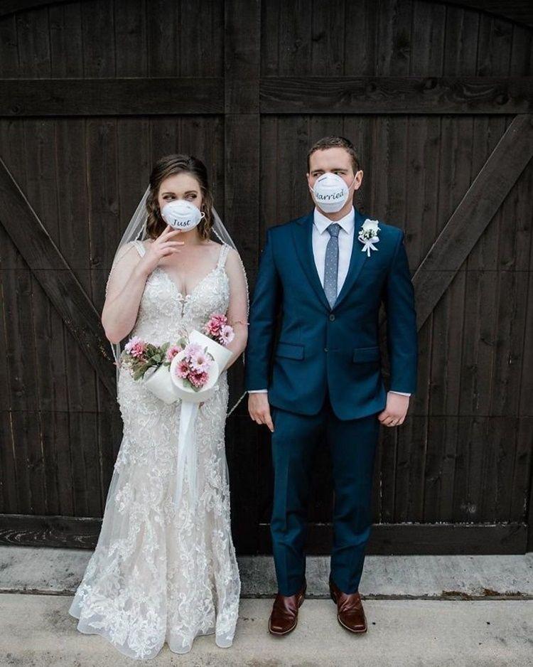 Ubah Rencana Akibat Pandemi, 10 Momen Pernikahan Ini Tetap Romantis
