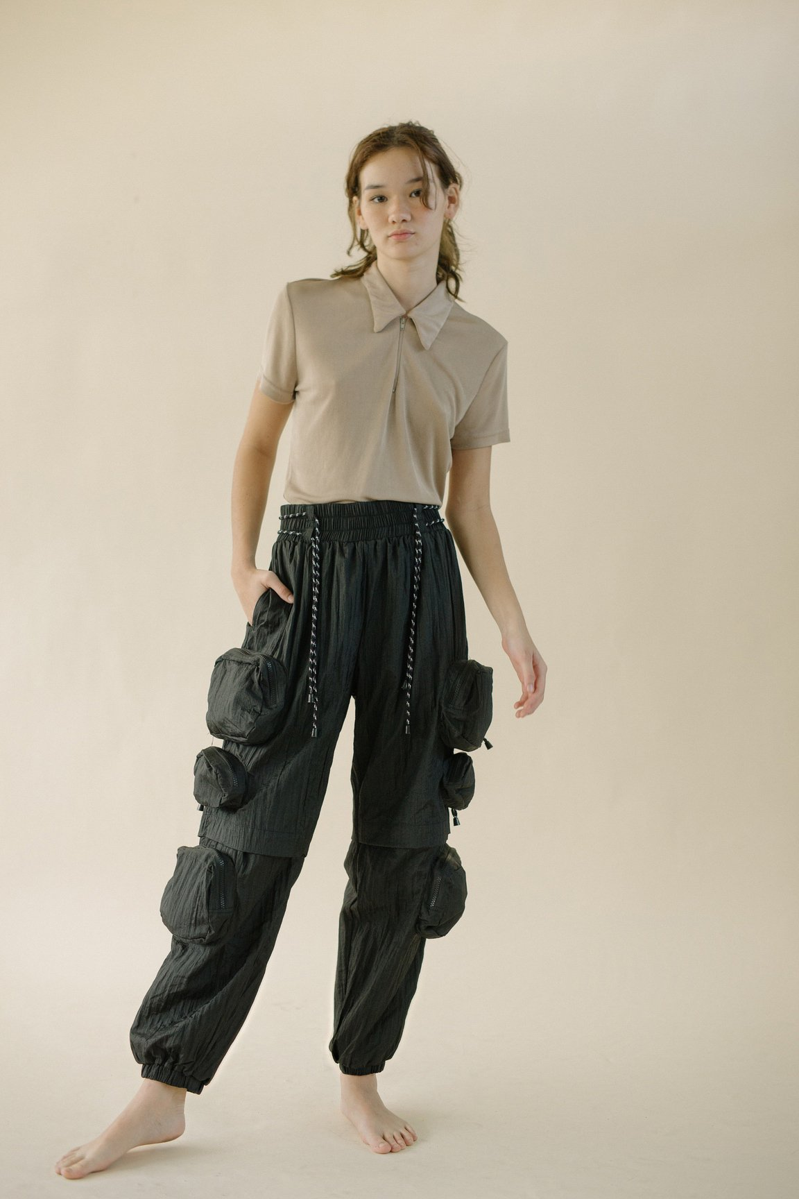 #PopbelaOOTD: Celana Panjang Hitam yang Harus Ada di Lemarimu