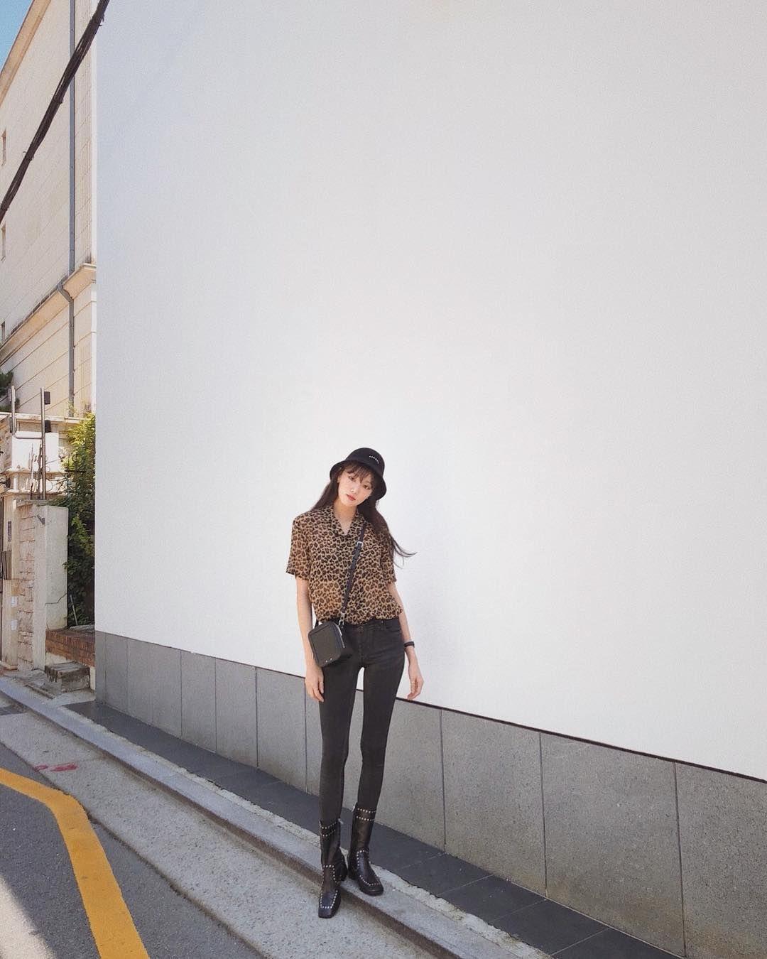 Deretan OOTD Keren Andalan Lee Sung Kyung yang Bisa Kamu Tiru