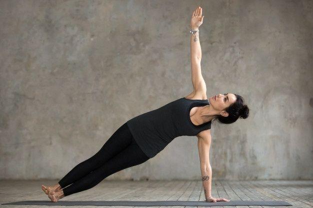 9 Gerakan Yoga Ini Bisa Bantu Kamu Mengecilkan Perut