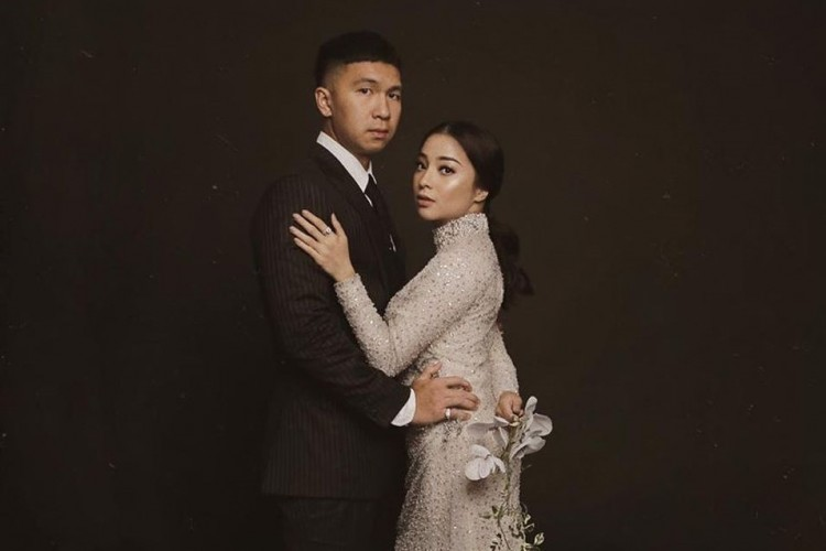 Detail Pakaian Pre-Wedding Nikita Willy dan Indra Priawan