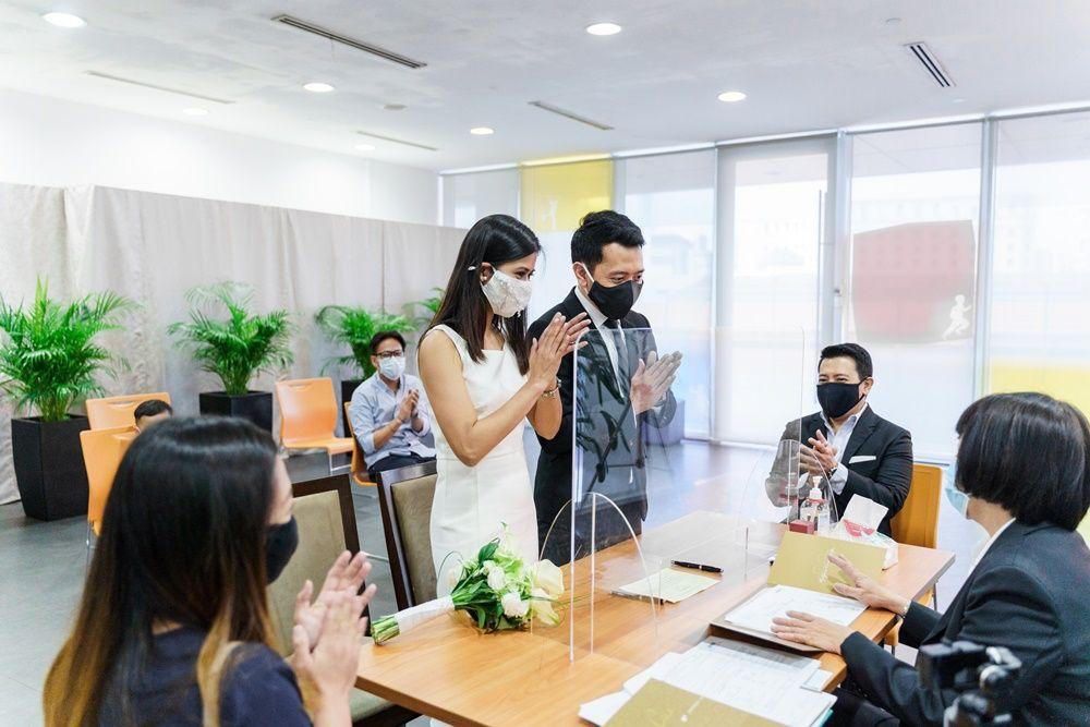 Tetap Berkesan, Ini Tren Foto Pernikahan Intimate di Masa Pandemi