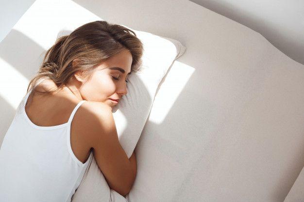 Biar Kulit Tetap Cantik, Jangan Lakukan 7 Hal Ini Saat Tidur