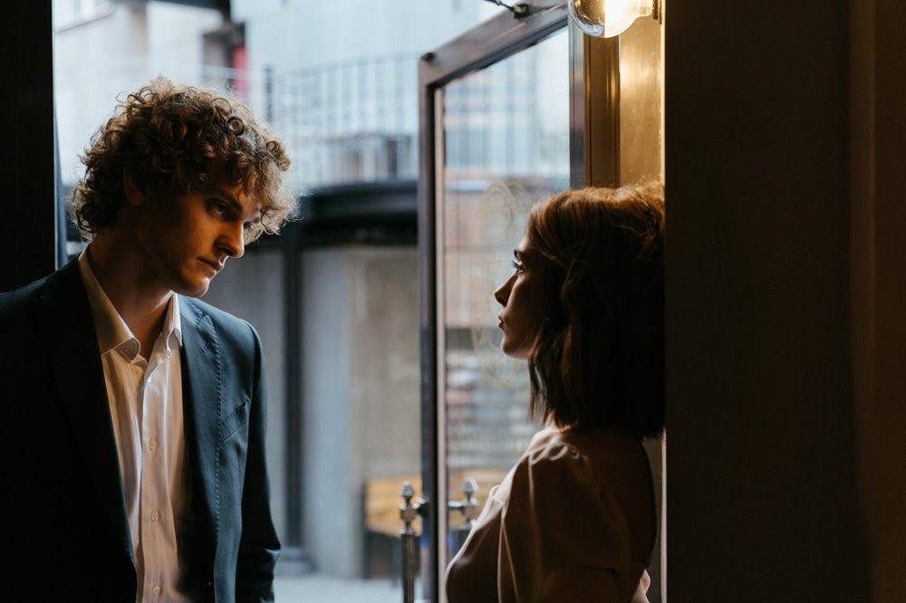 6 Perilaku Pasangan yang Jadi Pertanda Bahwa Kamu Seorang Selingkuhan