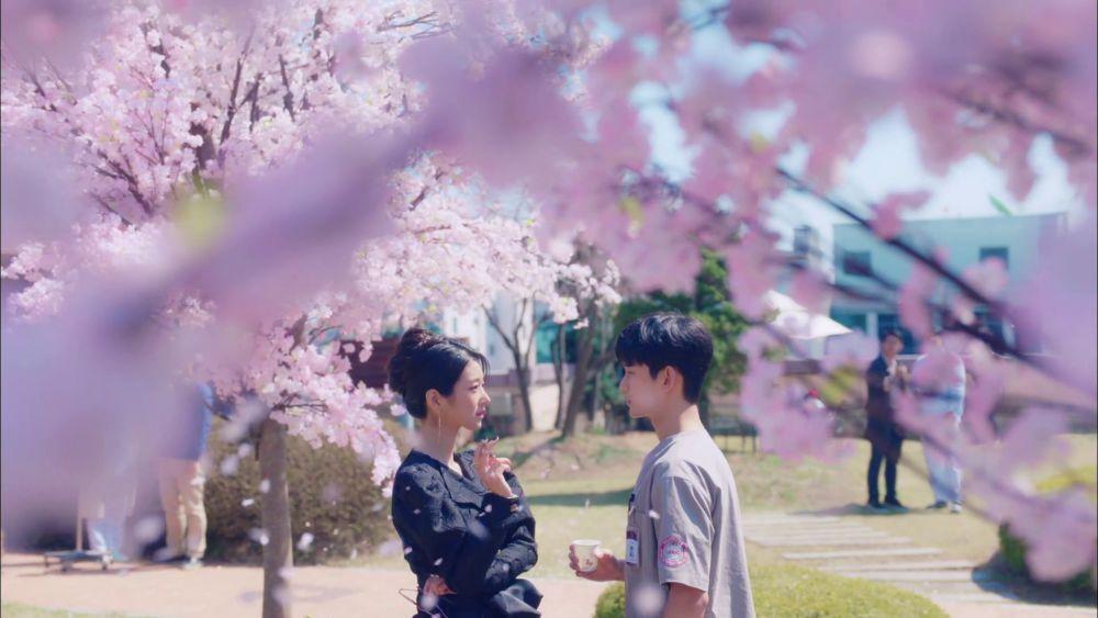 10 Potret Romantis Kim Soo Hyun & Seo Ye Ji yang Sukses Bikin Baper
