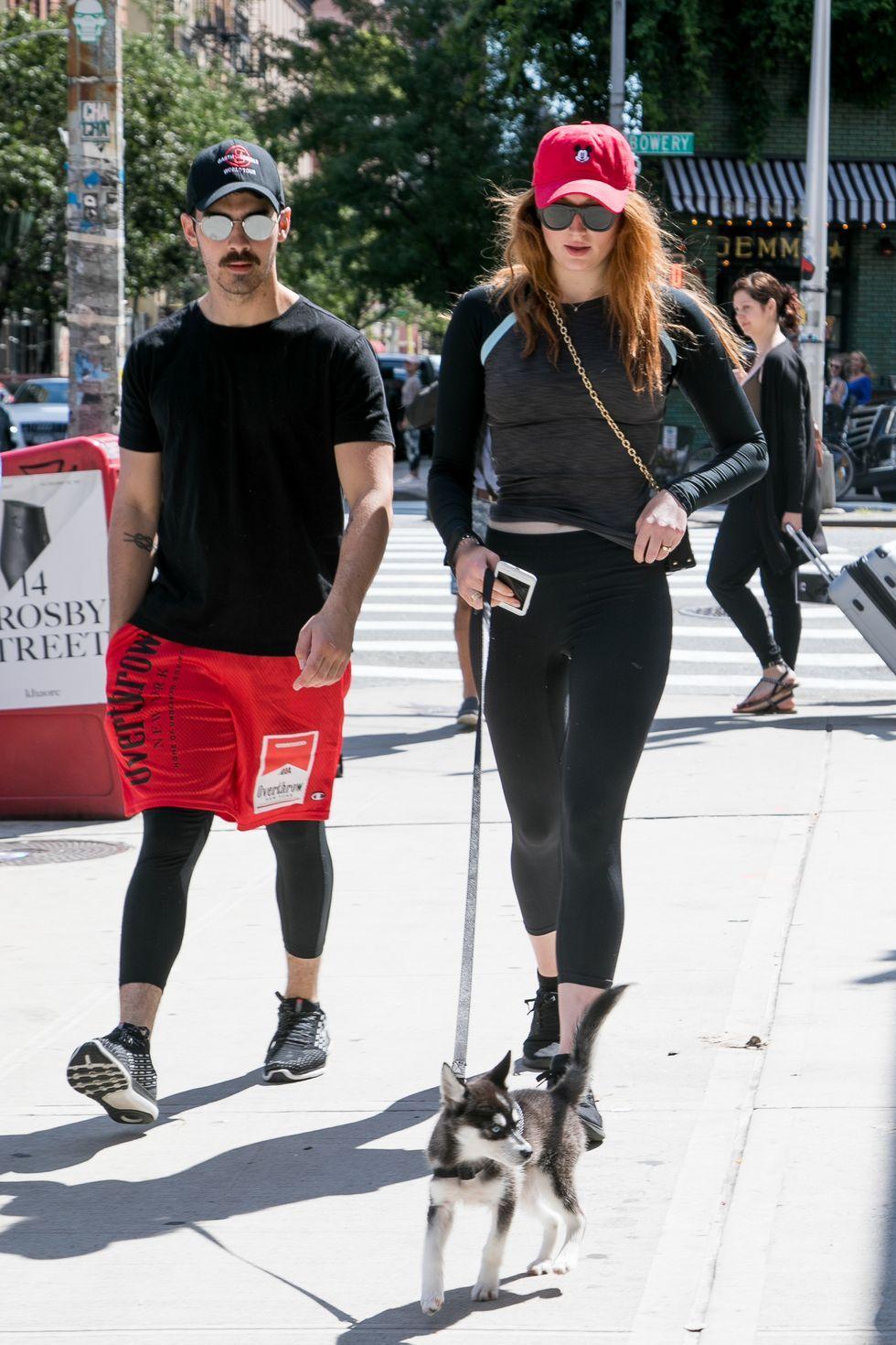 Couple Goals! Gaya Sophie Turner & Joe Jonas yang Modis Banget