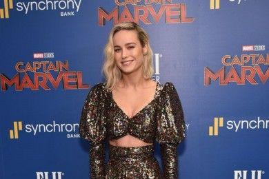 Gaya Glamor Brie Larson Karpet Merah, Selalu Memukau